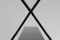 X (Panda1339) Tags: 28mm leicaq summiluxq monochrome hsbc shapes x architecture canarywharf geometry blackandwhite uk london