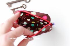 para a A / For A (Canela Cheia) Tags: canelacheia artesanato bolas bolsa brown castanho costura dots fecho galão handmade necessaire pouch ribbons sew utilitybag zippers