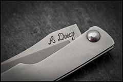1C5A5383 (bakelite1) Tags: couteaux d2 discret alain descy cran forcé métal clip parmentier