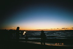 (envee.) Tags: 35mm fuji cardia dualp fujifilm colour iso 200 still shoot film is dead analogue camera photography point pointandshoot mordialloc end summer dec december 2016 sunset sea ocean
