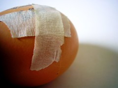 healing (wakalani) Tags: food macro closeup comida egg olympus vistas huevo alimentos brokenegg cscara olympusfe120 wakalani masvistas utatafeature