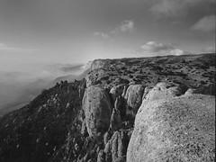 Roca Falconera (Escipi) Tags: adox cms20 mamiya7 montsant