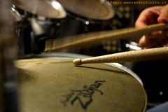 batteria (fabiomarras.com Fabio Marras fotografo cagliari) Tags: batteria music fabiomagno fabiomarras bruno tagliasacchi bianco e nero garage cagliari sardinia sardegna