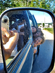 Uhuuu (alucinados) Tags: people car espelho happy mirror pessoas group carro mic câmera alucinados towner monicarlsson renatadiem