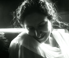 Hum Hain Mushtaq (hpk) Tags: portrait bw woman india hpk vikram girl asian gal overexposure jk kashmirvisit2005 kashmirphotos jammukahsmir kashmirimages kashmirpeople