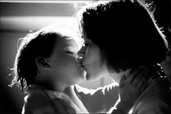bisous (Alain Bachellier) Tags: family famille blackandwhite bw baby art love kid kiss child affection noiretblanc mother parent amour enfants tendresse noirblanc enfance bisous bestoff highdefonly