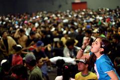 Uma voz (Csar Ovalle) Tags: woman girl show concert people sing hardcore live osasco sp brazil brasil