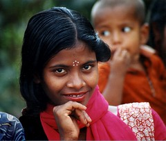 color smile (janchan) Tags: pink red portrait people colors girl children asia documentary bangladesh reportage theface nasirnagar blackribbonicon whitetaraproductions