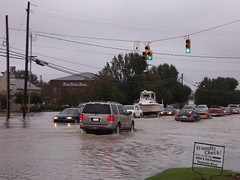 Bridger Street (US 17) (General Wesc) Tags: flood cars uploadedbyluca washingtonnc