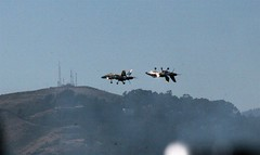 Landing on each other? (DantesFedora) Tags: fleetweek blueangels