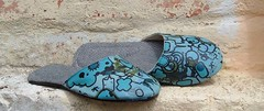 girls slip ons (senyol) Tags: street gmo art graffiti senyol shoes sneakers slip girls shoe blue denim canvas construction by grandt mason dope new 2005