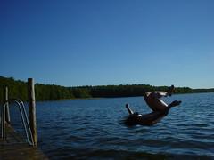 Anglų lietuvių žodynas. Žodis somersaulting reiškia <li>somersaulting</li> lietuviškai.