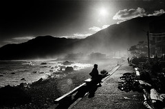 Nightfall......I'd lost time beside the Pacific Ocean (photoxgo) Tags: ocean leica sea bw woman photo pacific taiwan f11 r7 3570 xgo photoxgo foma400