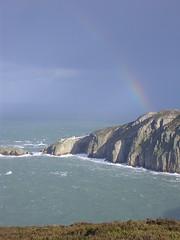 North Stack a Mynydd Caergybi (blogdroed) Tags: northstack caergybi holyhead ynysmn anglesey cymru wales enfys rainbow arfordir coast