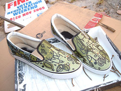 shoes (senyol) Tags: shoes dogs graffiti senyol streets style contemporary art sneakes tekkies green vans