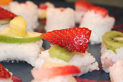 Frushi (krisde) Tags: ragamuffincooking cookingclub food brunch frushi sushi fruit