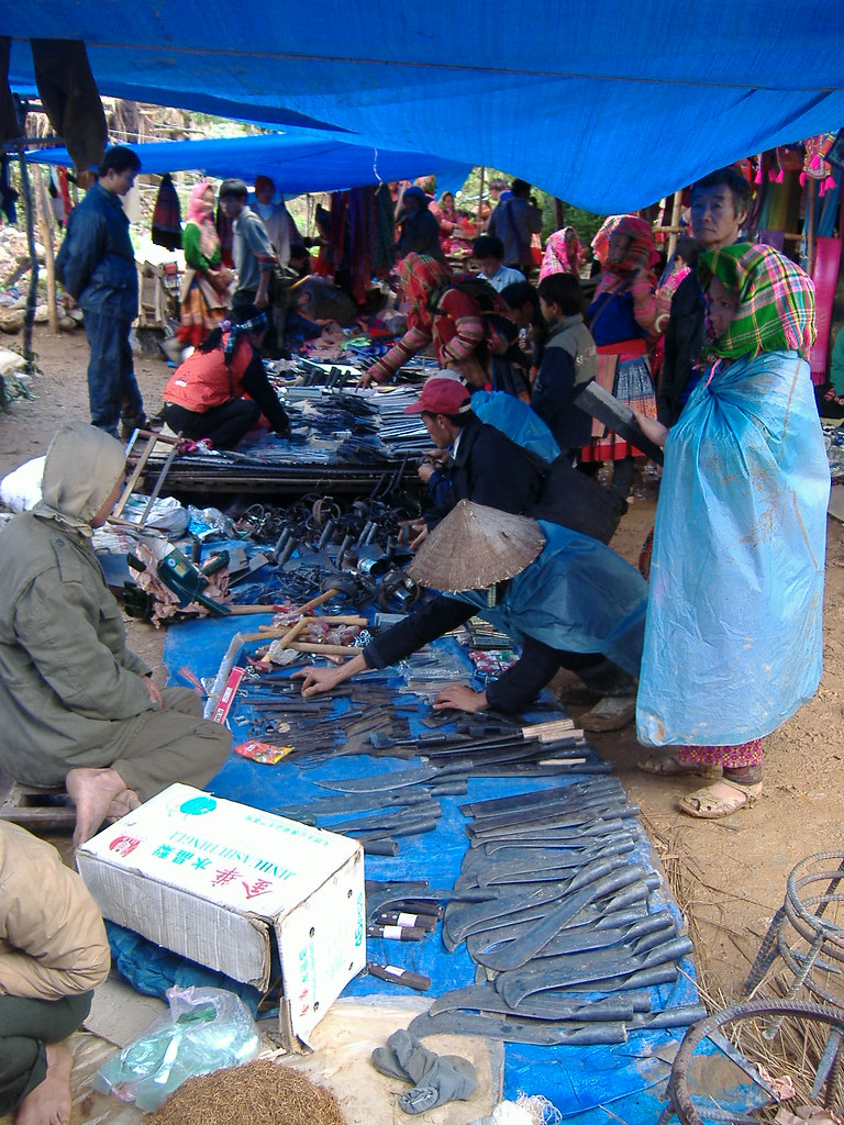Market of Knives