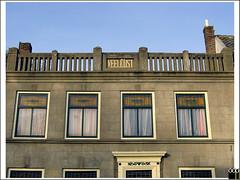 NL/Nieuwegein/Jutphaas (oopsfotos.nl) Tags: windows holland netherlands gutentag bricks nederland curtains lust housename façade oop nieuwegein jutphaas herenstraat photophilosophy veellust lotsoflust