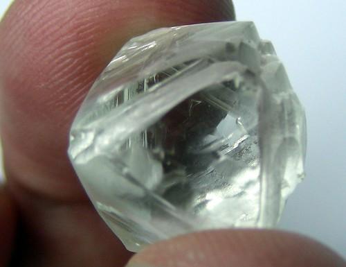 28.8 carats, G colour