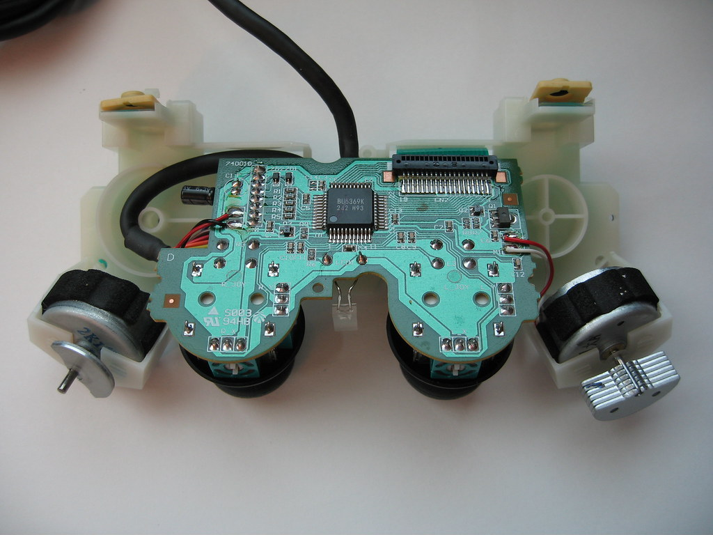 The Worlds Newest Photos Of Controlpad And Sony Flickr Hive Mind Playstation 2 Controller Disassembly Gfixler Tags Pad Traces Ps2 Pcb