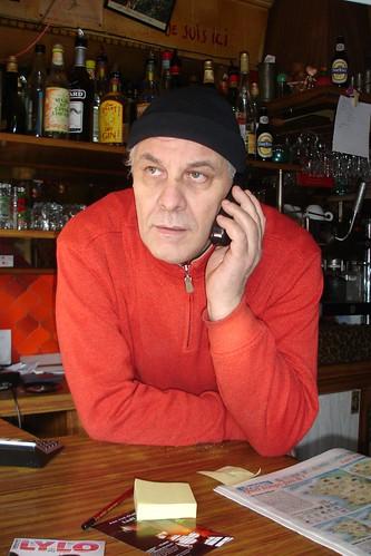 A nice algérien patron de café  a Paris