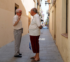 old men talk (johngilbert77) Tags: leica summilux dg 25f14
