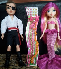 Moxie Pirate & Mermaid (Just a Nobody) Tags: monster toys high model doll boyz super simba girlz mga fashiondoll moxie mattel bratz teenz