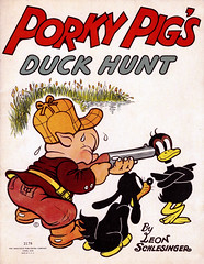 Porky Pig's Duck Hunt #2178 (1938) by Leon Schlesinger (Tom Simpson) Tags: porkypigsduckhunt 1938 leonschlesinger 1930s porkypig daffyduck comics illustration vintage art hunting shotgun dog pig duck looneytunes comicbook