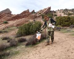 049 Punching The Go Control (saschmitz_earthlink_net) Tags: 2017 california orienteering vasquezrocks aguadulce losangelescounty laoc losangelesorienteeringclub