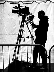 camera operator (christikren) Tags: silhouette kamera camera kameramann blackandwhite schatten sw schwarz und weiss toronto canada tv stativ travel man black white event cinema live shadow city street world amazing film photographer operator justedutalent mikrofon
