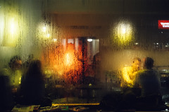 Loretta Bar. München (Dominik Morbitzer) Tags: sony sonya7 a7 alpha7 ilce7 leica leicasummicron50mmf20dr summicron 50mm 50 2050 dual range dualrange nightshot night bar loretta münchen munich muenchen germany deutschland street streetphotography color