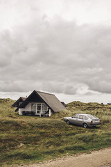 (romanraetzke) Tags: auto sky classic car vw clouds denmark dunes himmel wolken oldtimer passat dänemark vacancy ferien dünen 32b fliesheck autobildklassik