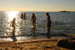 June evening at the beach (Basse911) Tags: sea summer beach water june juni strand suomi finland evening playa balticsea hanko nordic ostsee itmeri ilta sommar stersjn kes ranta keskuu kvll hang husstranden