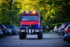 1989 Mercedes-Benz 1550L Unimog (Harold Brown) Tags: ohio red summer usa truck evening vineyard outdoor winery mercedesbenz vehicle 1989 canton carshow cruisein starkcounty gervasi haroldbrown gervasivineyard gervasiwinery nikond7100 bhagavideocom 1550lunimog