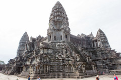 Angkor Wat central sanctuary (Rambo2100) Tags: ancient cambodia khmer lotus towers central angkorwat unesco siemreap angkor sanctuary worldheritage mountmeru suryavarmanii  rambo2100