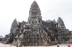 Angkor Wat central sanctuary (Rambo2100) Tags: ancient cambodia khmer lotus towers central angkorwat unesco siemreap angkor sanctuary worldheritage mountmeru suryavarmanii អង្គរវត្ត rambo2100