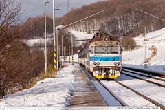 460.072-2 | Os3247 | trať 280 | Lužná u Vsetína (jirka.zapalka) Tags: train trat280 rada460 autumn snow cd os luznauvsetina stanice