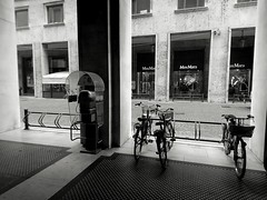 IMG_1482058438100 (Florindo Balkan) Tags: urban city contrast architecture blackandwhite wideangle noir mistery fog italy metaphysics