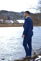 Jonathan - Casual Shooting (zbma Martin Photography) Tags: shooting photo photography photoshooting man jonathan blue water lake hair dark haare blauer anzug casual bridge brücke