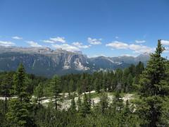 IMG_9479 (Bike and hiker) Tags: santa val alpen roda dolomites moos dolomiti badia croce dolomiten armentara dolomieten gadertal kreuzkofel darmentara alpenwiesen
