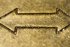 Directions (EzequielBadin) Tags: metal nikon ciudad amarillo rosario macros dslr flechas chapa laton cospel d3000 cuneda