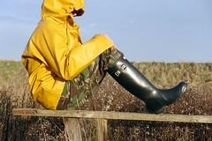 Last muddy walk of 2016 (essex_mud_explorer) Tags: hunter rubber wellington boots wellies welly gumboots rainboots wellingtons gummistiefel rubberlaarzen bottes caoutchouc hunterwellies hunterrainboots wellingtonboots rubberboots camo camouflage trousers bowersmarsh thamesestuary riverthames hellyhansen nusfjord raincoat rainwear waterproof coat jacket