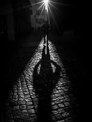 Unter einem guten Stern... (Thomas Leuthard) Tags: thomasleuthard streetfotografie