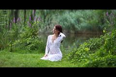 * (Henrik ohne d) Tags: eos5dmk2 ef85mmf18 july2016 portrait pure white whitedress lace lake blossoms
