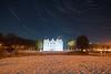 Startrails am Schloss Ahrensburg (Lilongwe2007) Tags: ahrensburg schleswig holstein stormarn schloss schnee winter startrails nacht sterne mondlicht strichspuren