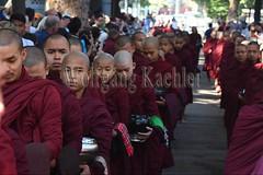 30099730 (wolfgangkaehler) Tags: 2017 asia asian southeastasia myanmar burma burmese mandalay mahagandayonmonastery mahagandayonmonastary people person monks buddhist buddhistmonasteries buddhistmonastery buddhistmonk buddhistmonks almsceremony almsbowls meal