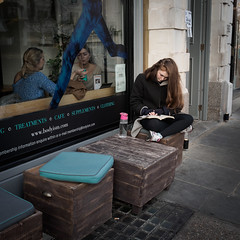 Sunday Relax (Pao Par) Tags: london uk notting hill street photography olympus 17 mm 35 girl portrait