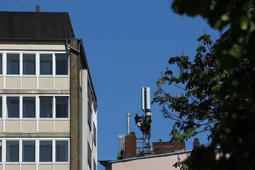 """In der Sonne arbeiten ... (1) • <a style=""""font-size:0.8em;"""" href=""""http://www.flickr.com/photos/69570948@N04/18487860649/"""" target=""""_blank"""">Auf Flickr ansehen</a>"""