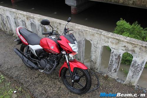 2015-Yamaha-Saluto-17