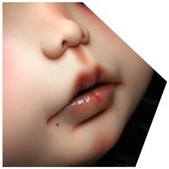 These are lips of the little girl I'm sending to @augusteclown for #onceuponablythe exhibition ❤️❤️❤️❤️❤️❤️❤️❤️❤️❤️❤️ Estos son los labios de la peque que saldrá mañana dirección Australia